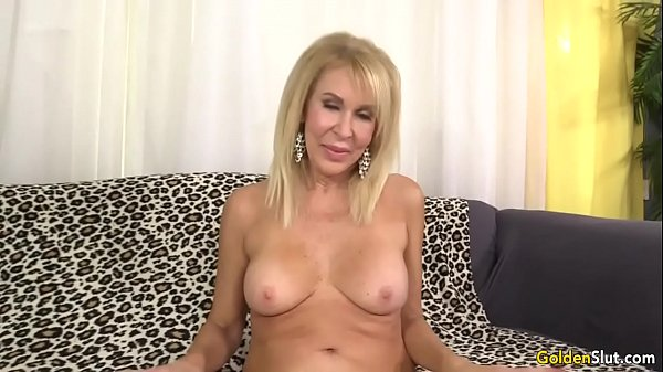 Mature blonde, Fucked pussy