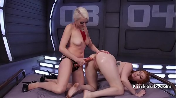 Anal lesbian, Huge toy