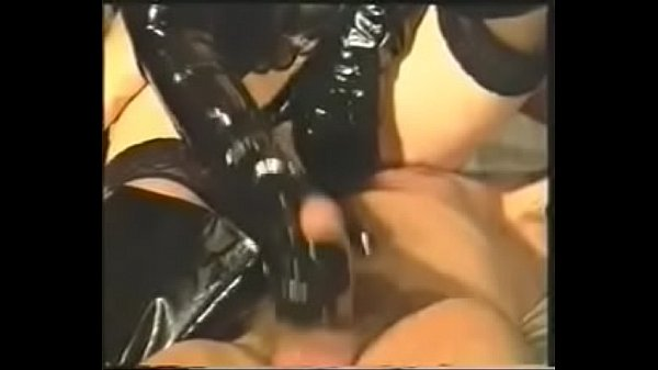 Femdom piss, Leather